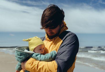 Rozszerzanie diety niemowląt – dania i słoiczki dla dzieci